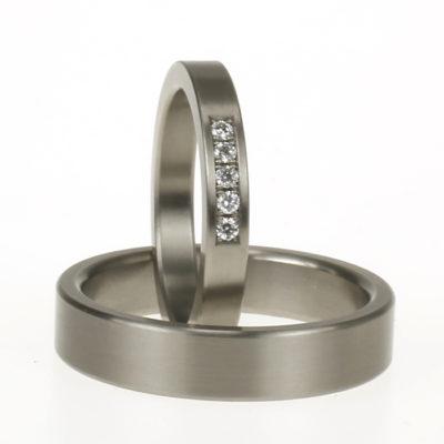 titanium trouwringen rij diamant 2