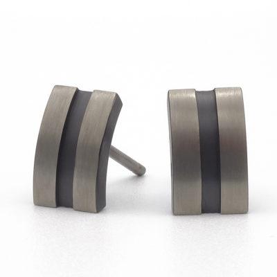 titanium oorbellen met zwart