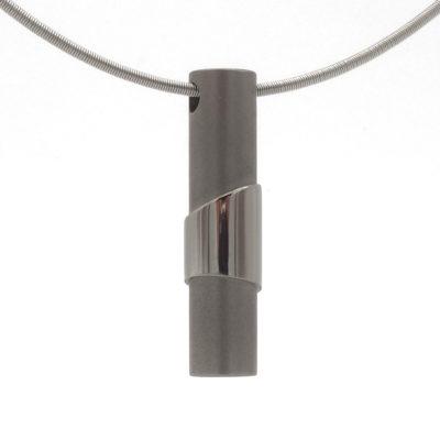 titanium hanger Brontes