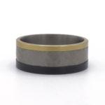 ring met hamerslag titanium en goud