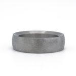 stoere titanium ring met matte afwerking