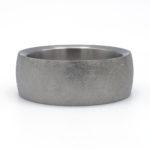 mat geschuurde titanium ring